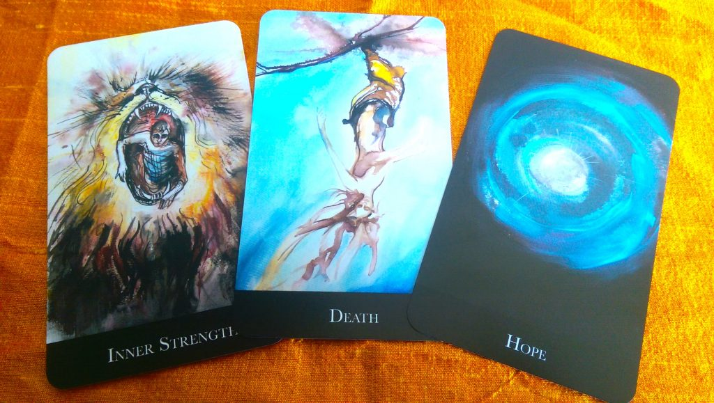 There are a few cards in the Oracle of Echoes that 'echo' tarot cards.