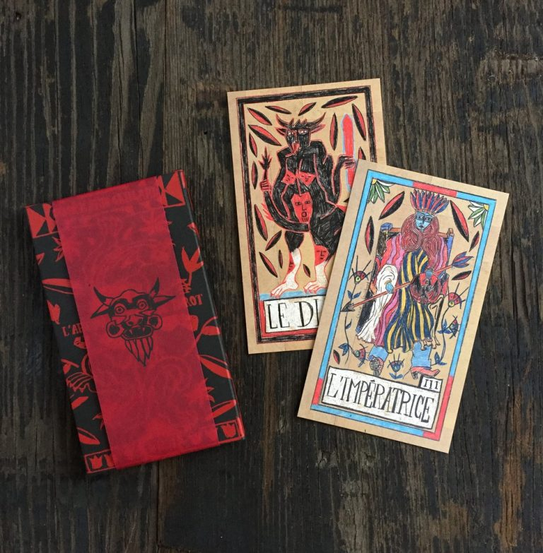 Box and two cards Je leu de tarot Gaillard new TDM Uusi